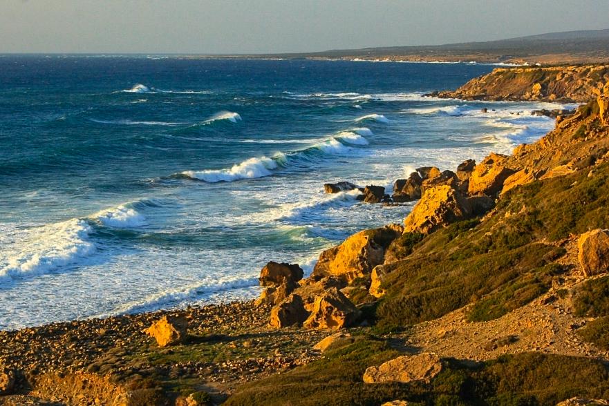 Волны на Кипре