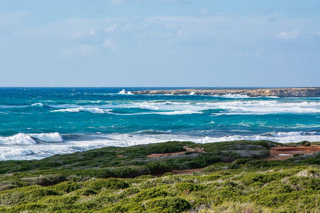 Волны Средиземного моря