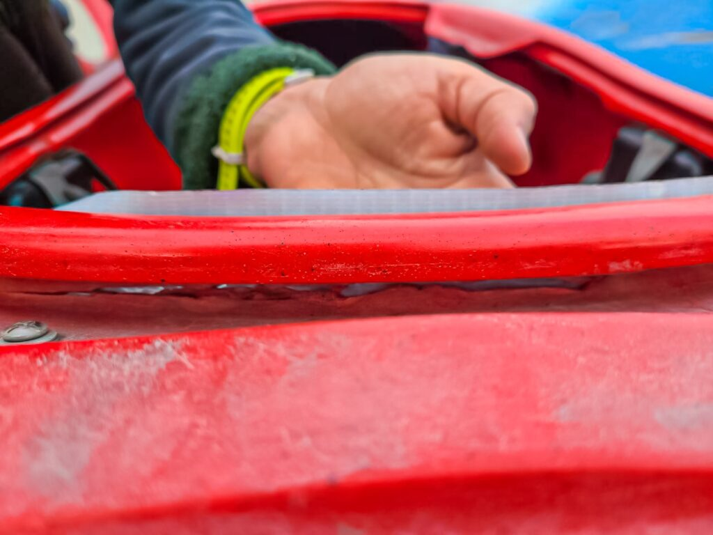 Починка трещины в лодке