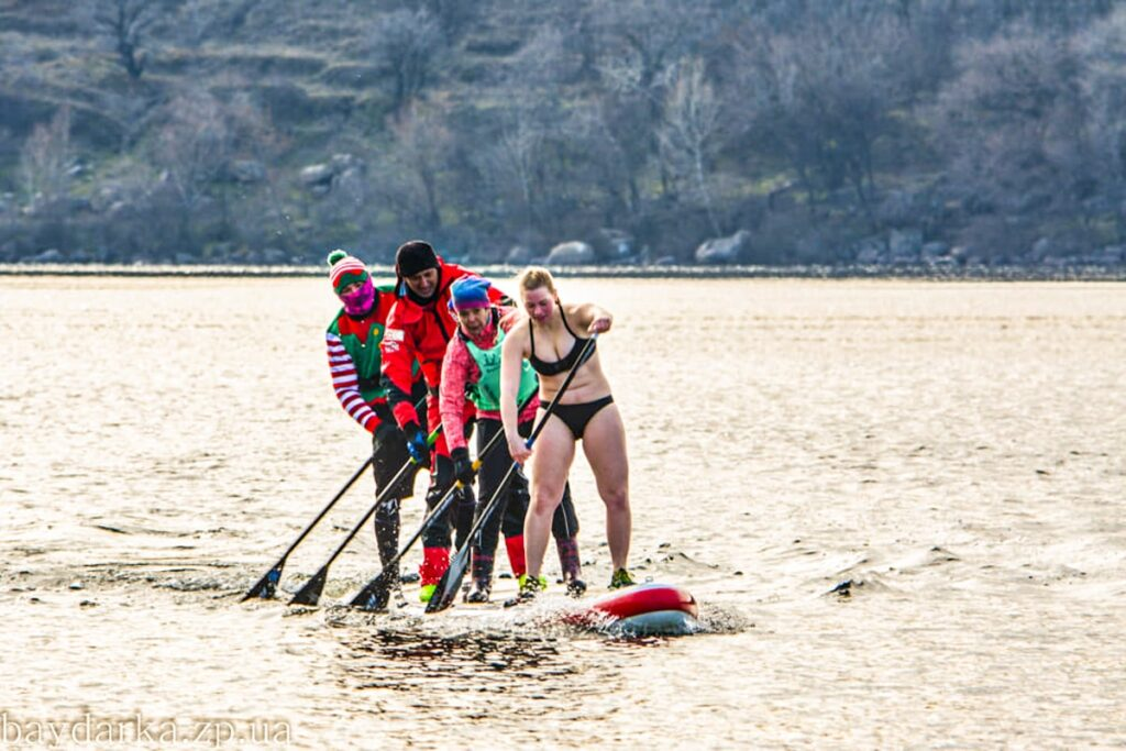 Гола дівчинка на Bayda Ice Challenge 2021