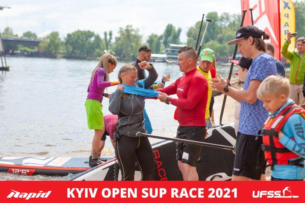 Передача естафети на Kyiv Open SUP Race 2021
